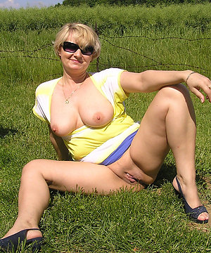 Horny chubby blonde mom