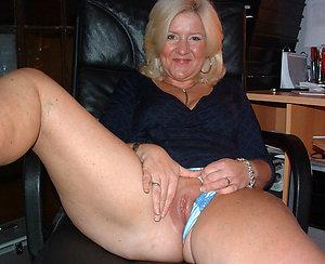 Hot blonde moms pussy