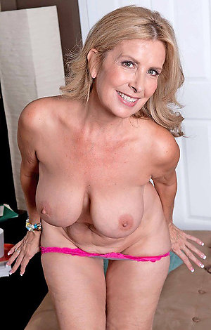 Busty blonde wife xxx pics