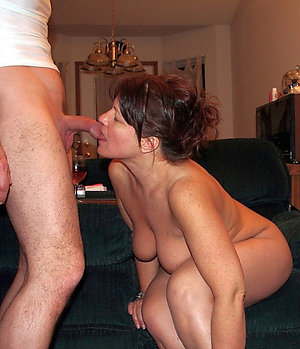 Naked milf blowjobs pics