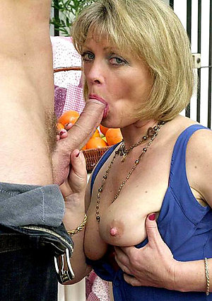 Amateur older milf blowjobs