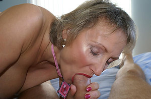 Xxx amateur mom blowjob photos