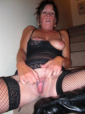 Mature housewives naked pictures