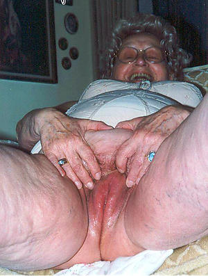 Pretty hot exposed grandmothers amateur pics