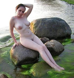Pretty mature mediocre milfs porn pics