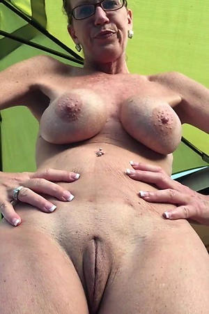 Mature Amateur Homemade Solo