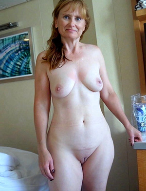 Xxx solo mature pussy pics