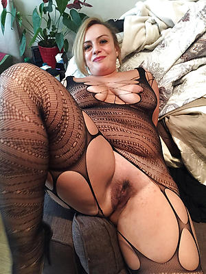 Nude solo mature pussy pics