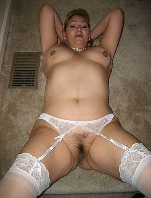 Amazing solo matured women amateur porn pics
