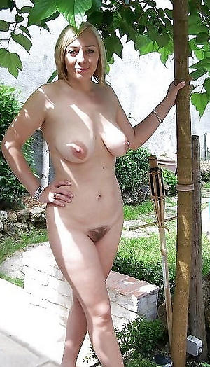 Pretty mature women with hairy pussies photos