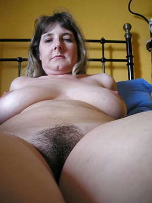 Nude mature women with Victorian pussies