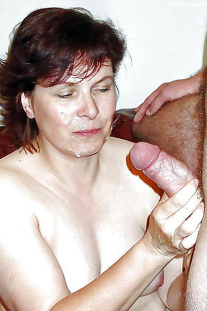 Inexperienced mature facial cumshots