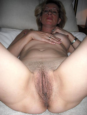 Xxx mature hairy pussy close up porn pics gallery