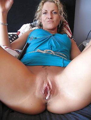 Enticing mature creampie pussy pics