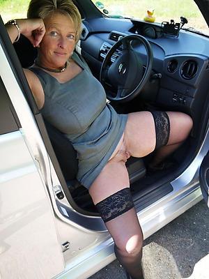 Nude mature in car porn pics