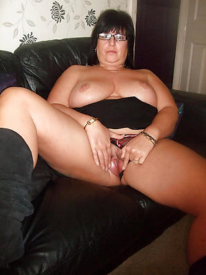 Busty hot milf homemade porn pics