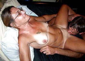 Pretty mature get hitched eats pussy porn pics
