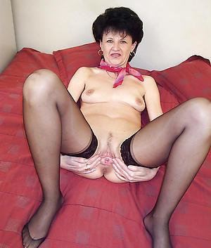 Naked single mature ladies photos