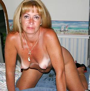 Slutty single mature ladies nude pics