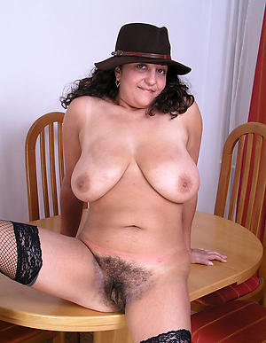 Bared mature busty babes pics