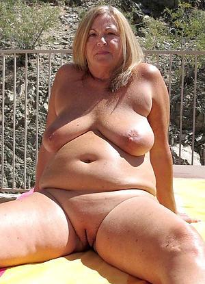Pretty sexy mature women pictures