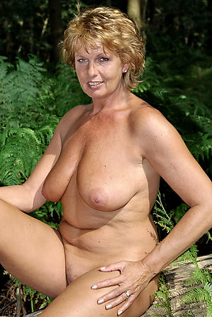 Naked sexy mature milfs amateur pics