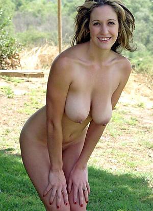Pretty sexy mature milfs nude pics