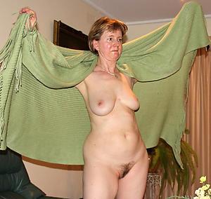 Full-grown older undress women photos