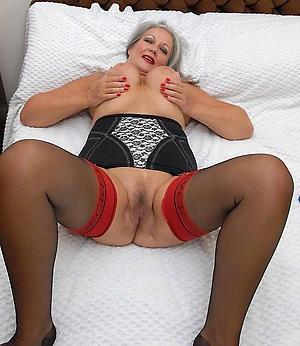 Amateur mature older woman