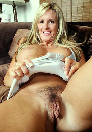 Amateur pics of mature woman pussy