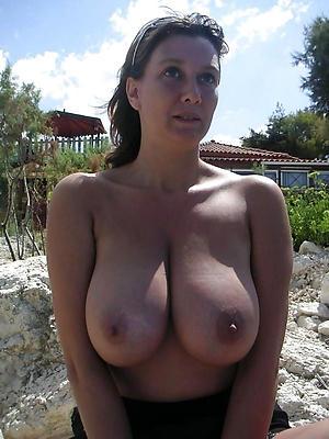 Slutty naked mature obese tits pics
