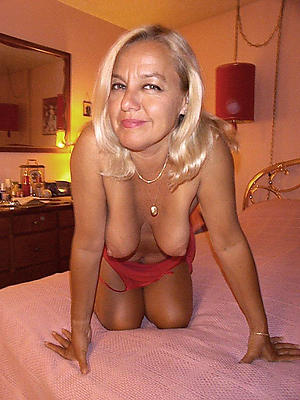 Naked private milf pics