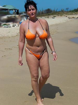 Bungler pics of mature women in bikini