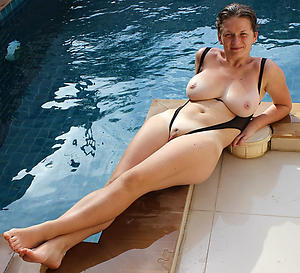 Sweet mature women in bikinis porn pics