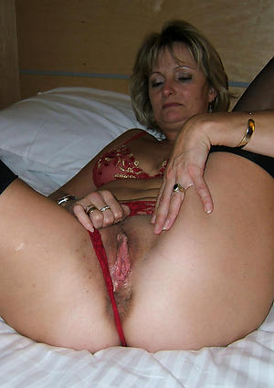 Sexy mature milf homemade nude photo
