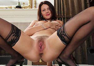 Amazing mature hairy unshod women foto