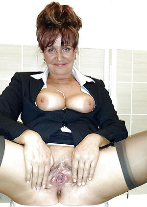 Naked mature women cunts