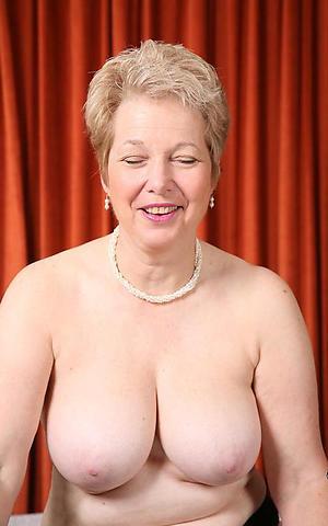 Pretty mature big natural tits naked photo