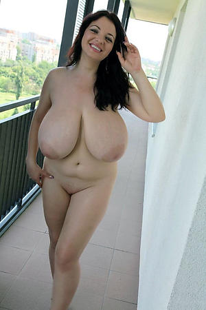 Amateur pics of mature chunky natural tits