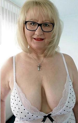 Xxx erotic mature pictures