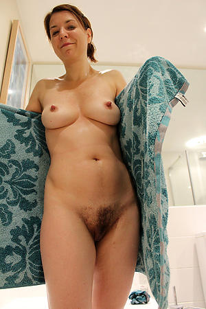 Amateur mature women 40nude pics