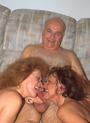 Photos of mature moms sex