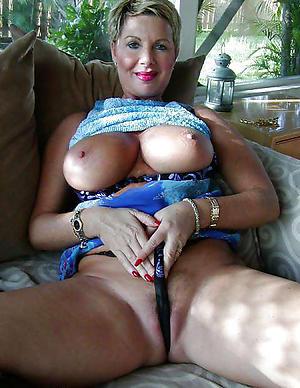 Free hot mature babes naked photos