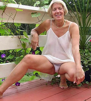 Slutty mature wife upskirt