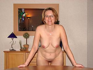 Xxx mature women in glasses nude sniper