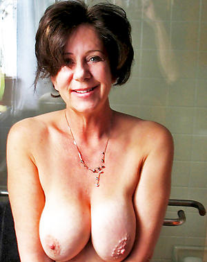 Pretty hot mature wifes nude photos