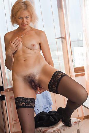 Hot mature milf masturbating nude photos
