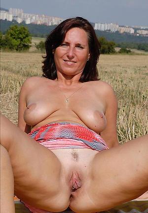 Naughty mature women vagina porn gallery