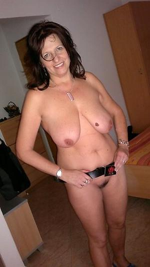 Amazing solo of age women pics