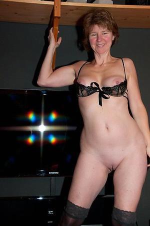 Hot mature mom solo pics